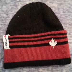 Accessories - NEW! Canada Insulated Wool Hat